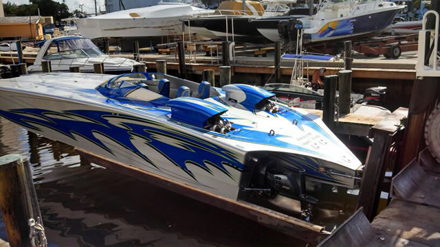 "Sterling 1700HP powered Skater tops 190mph with a pair of 41"" pitch Hering 5-blades"